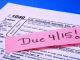 students filing taxes