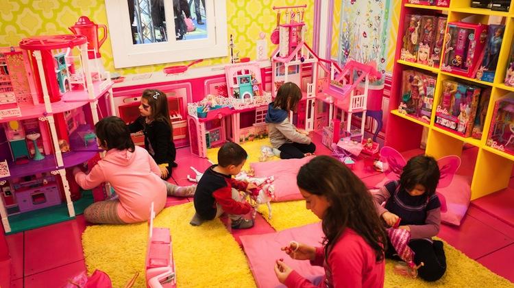 Best Barbie Dreamhouse Deals For The Holidays Nerdwallet