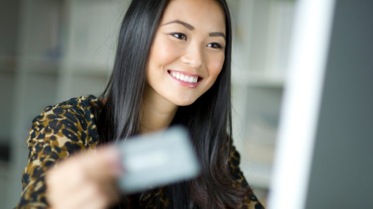 how to avoid interest charges on credit cards