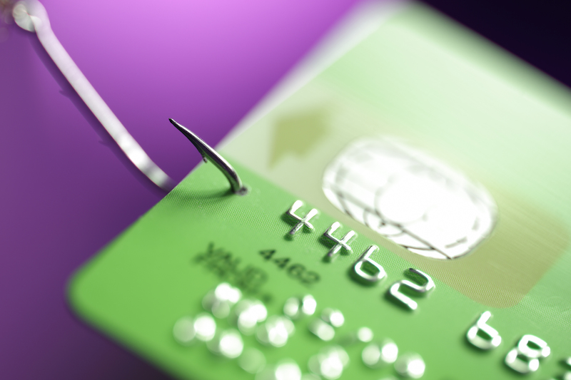 Credit card issuers go after riskier borrowers