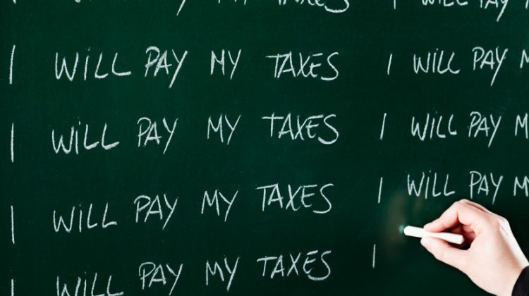 reasons not to pay taxes with credit card