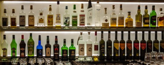 Want to Open a Bar? Expert Tips for Clearing Legal Hurdles