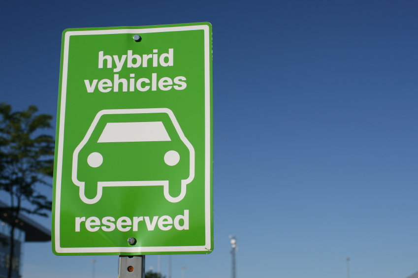 How Hybrid and Electric Vehicles Affect Your Auto Insurance Quotes