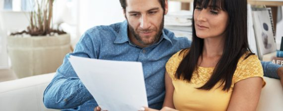 Should You Do Your Taxes Online or Use a Tax Preparer?