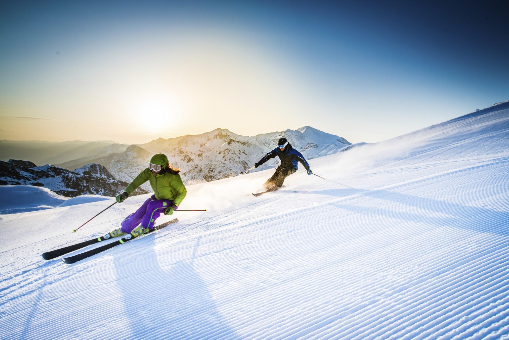 Show Ski WA  Home  Facebook