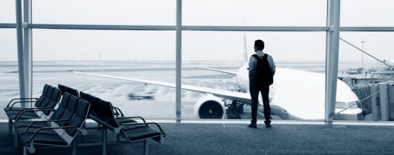 A Winning Strategy for Saving on Your Holiday Flight: Book Early, Use the Right Credit Card