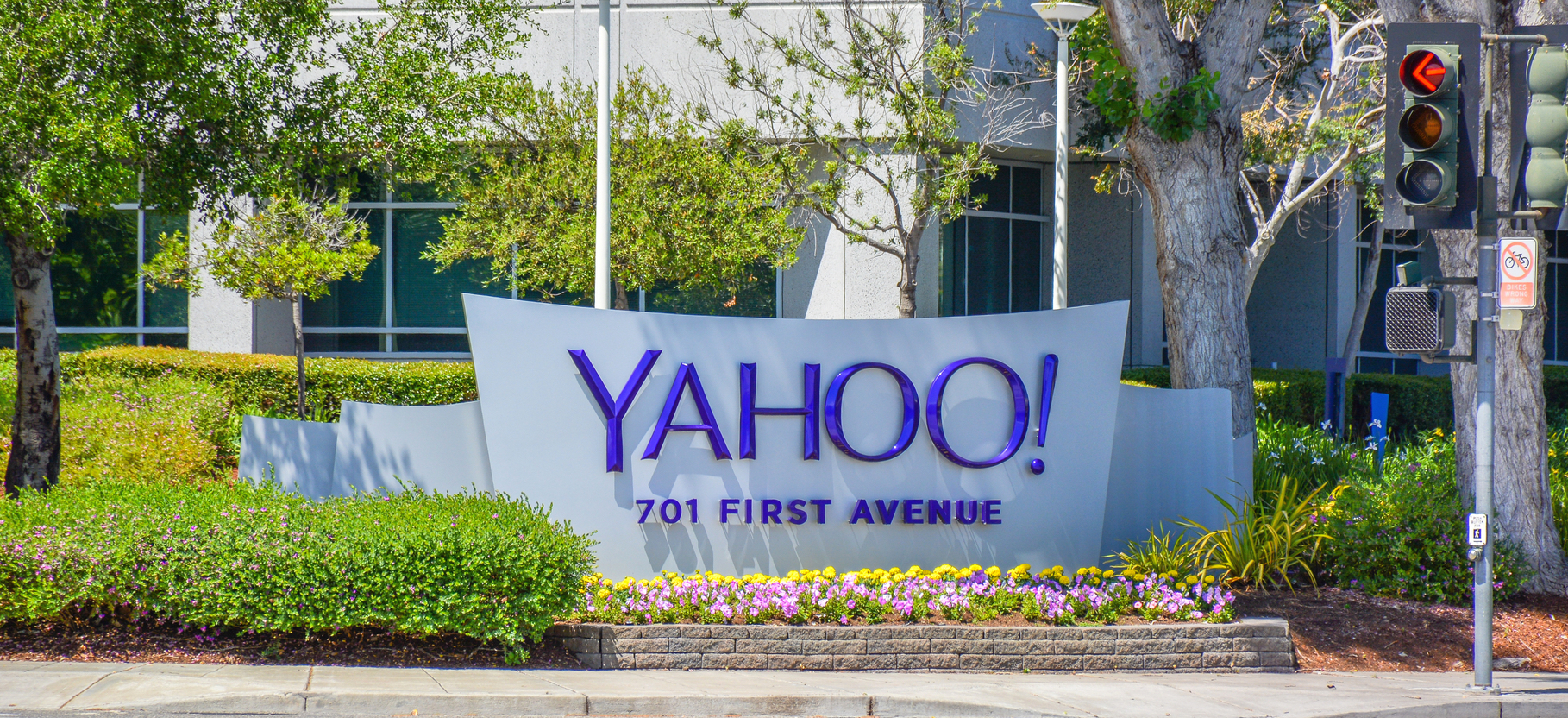 Who is the creator or sponsor for yahoo and the credentials?