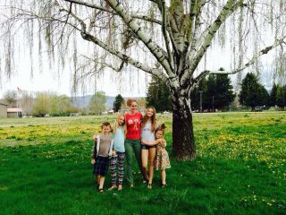 Elisa Magagna and her children