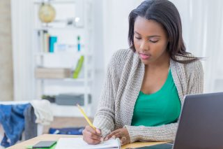Start by filling out the FAFSA form to apply for financial aid. Credit: Getty Images