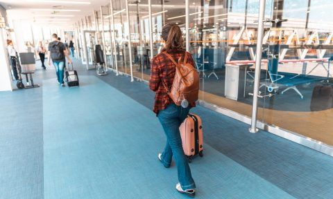 Ask a Points Nerd: (How) Should I Fly for the Holidays?